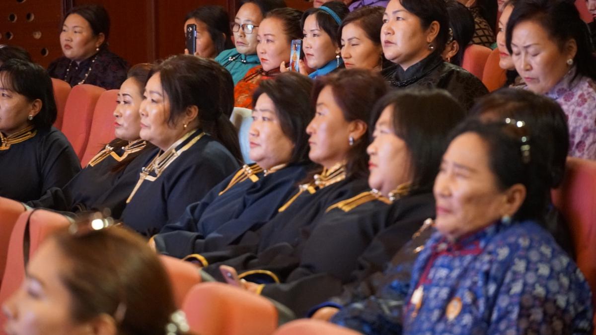 """""""Илүү сайхан ирээдүйн төлөө"""" Дорнод аймгийн эмэгтэйчүүдийн чуулга уулзалт боллоо"""