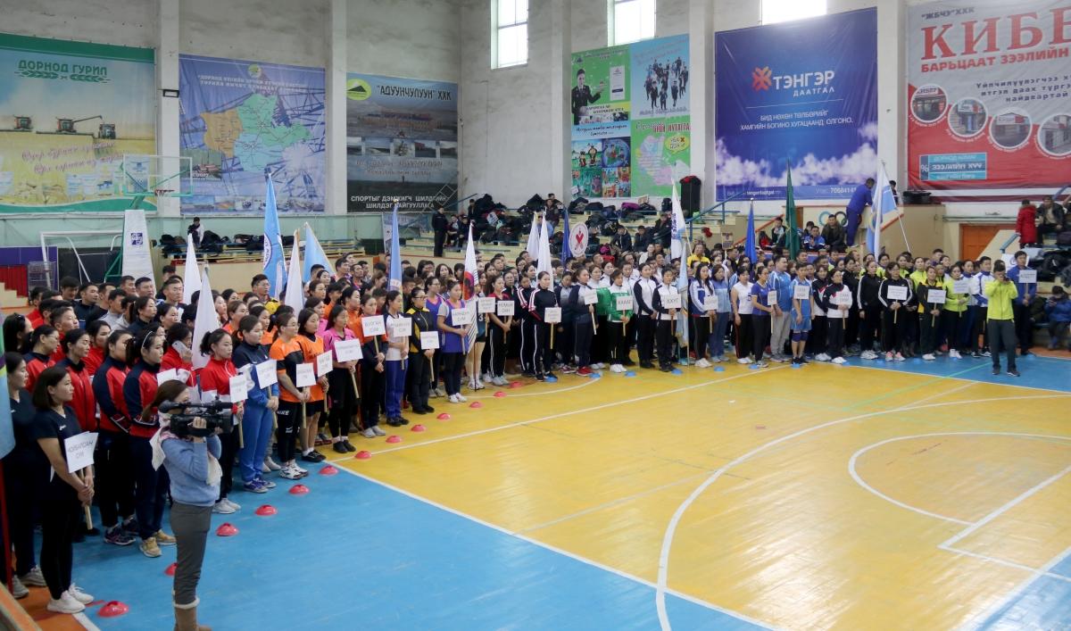 Төрийн албан хаагчдын дунд зохиогдож буй спортын олон төрөлт тэмцээн эхэллээ