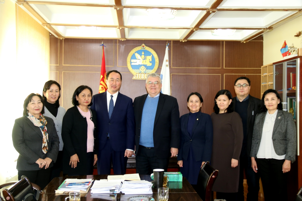 Аймгийн Засаг дарга М.Бадамсүрэн ДЭМБ-ын монгол дахь суурин төлөөлөгч Сергей Диордицаг хүлээн авч уулзав