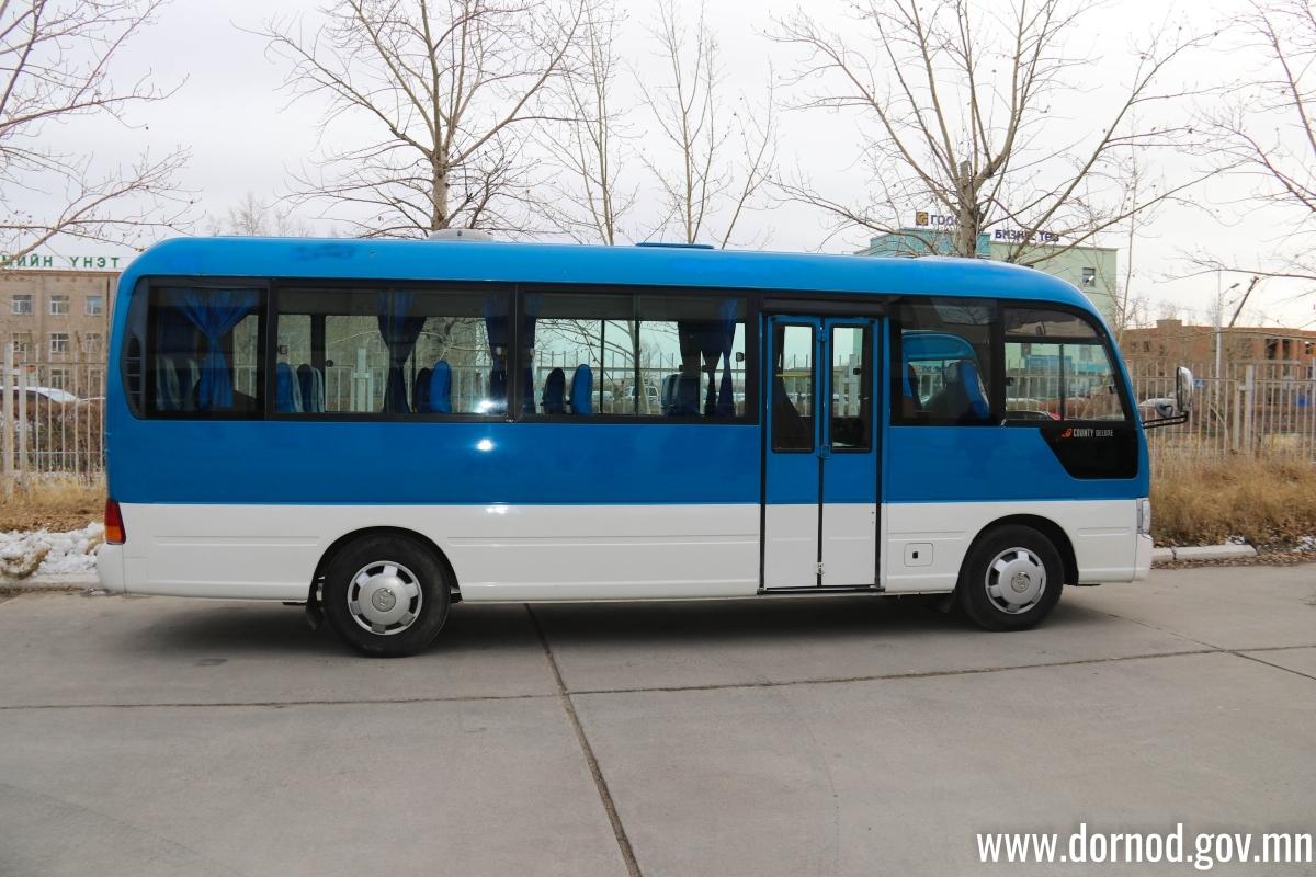 Халхгол сумын ахмадууд автобустай боллоо